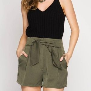 Pants - HIGH WAISTED SHORTS WITH FRONT TIE AND POCKETS
